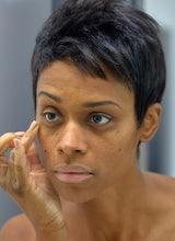 Cómo evitar ojeras y ojos hinchados