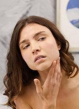 Cómo hacer que los poros se vean  más pequeños
